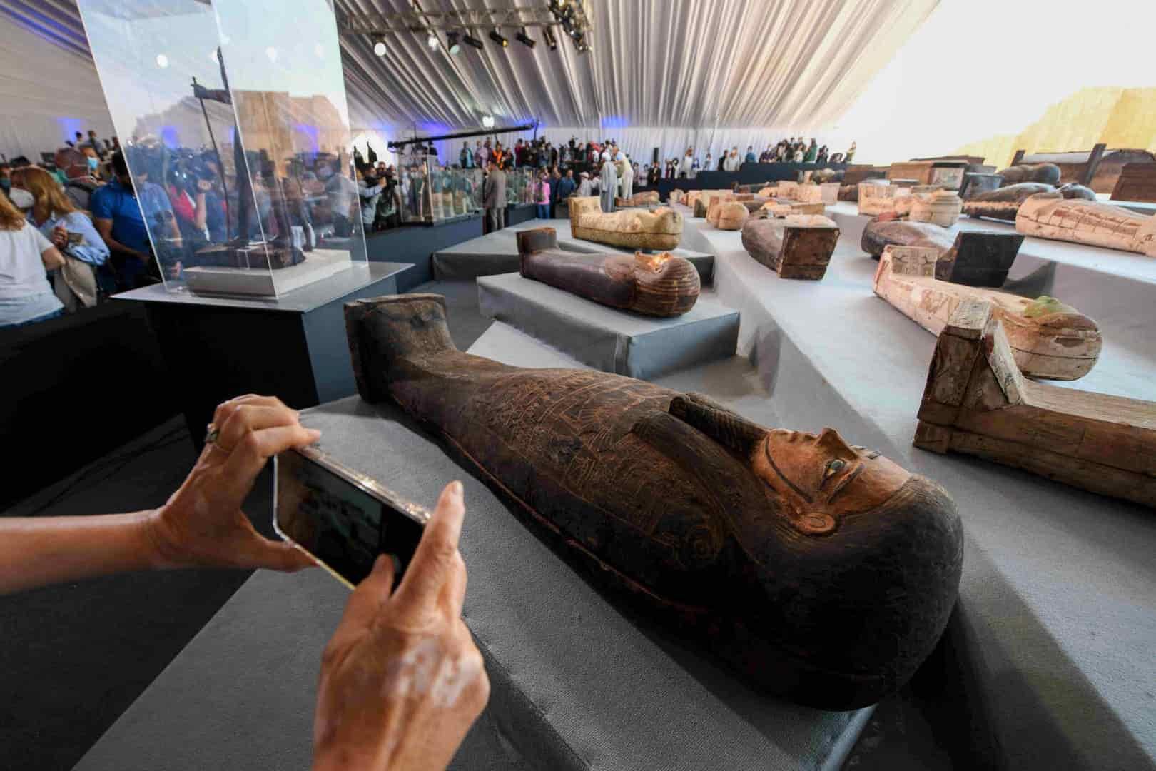 Egipto 100 sarcófagos de más de 2000 años